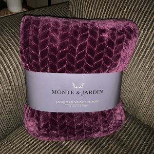 Monte and Jardin Velvet Throw NWT